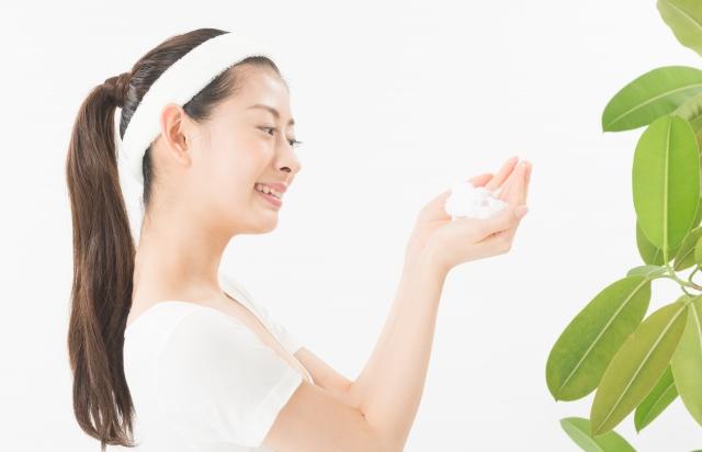 大人ニキビは洗顔と保湿で対策しよう ~「モデルスキン」の特徴~